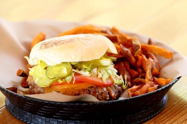 the-pharmacy-burger-parlor-franklin